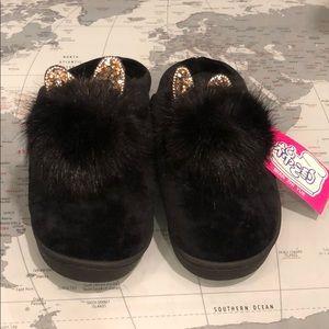 Fluffy Black Indoor/Outdoor Slippers